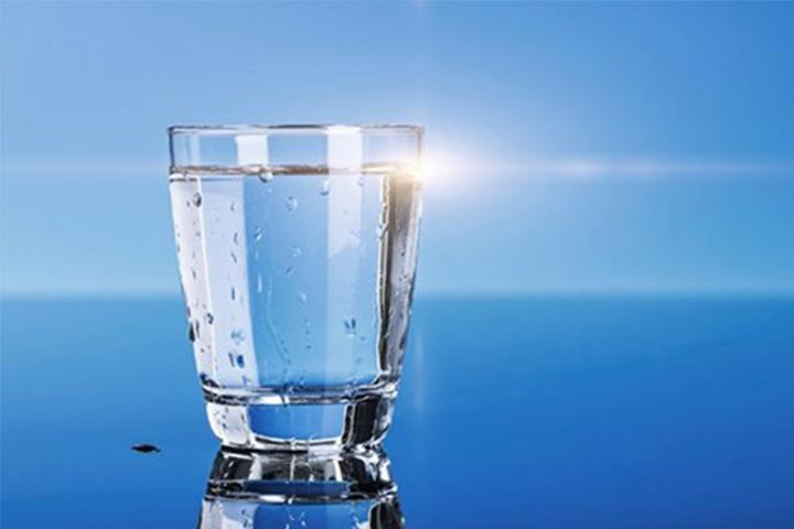 Vai trò của nước đối với cơ thể con người